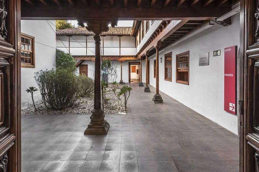 CEDOCAM patio
