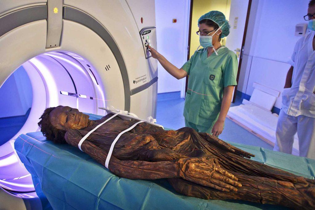 Escáner momia guanche